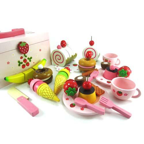 【熱銷新貨到】木製家家酒!草莓甜心派對木製玩具組(附收納箱)