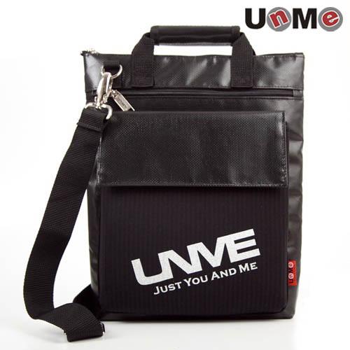 UnMe直式休閒斜背包(黑色)